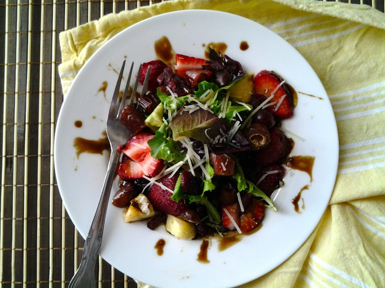 Mixed Baby Greens, Strawberries & Parmesan with Balsamic Vinaigrette ...