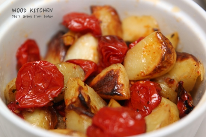 roasted tomatoes and potatoes 1