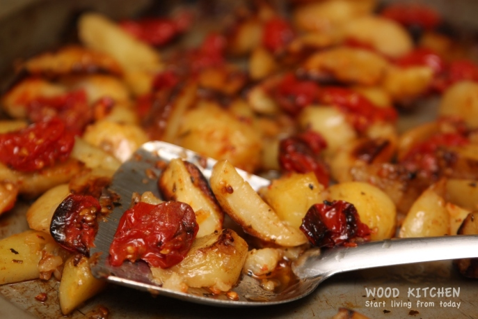 roasted tomatoes and potatoes 2